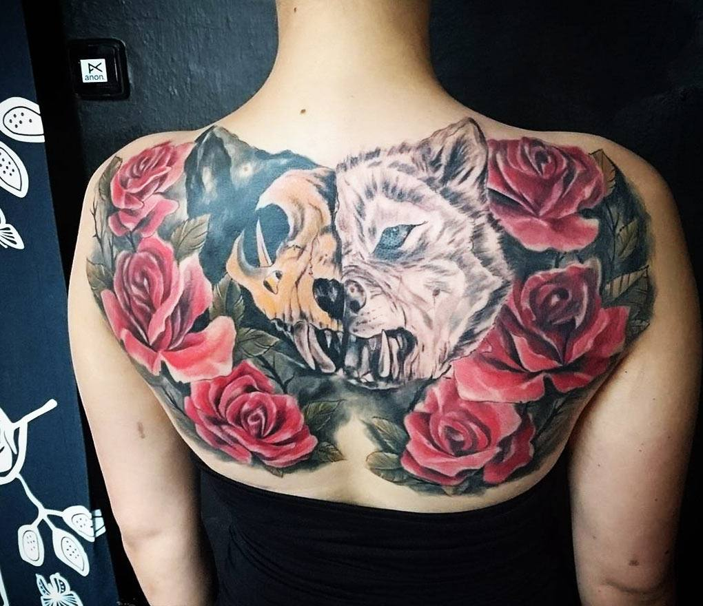 Wolf With Red Roses Tattoo By Kafka Tattoo Photo 7831